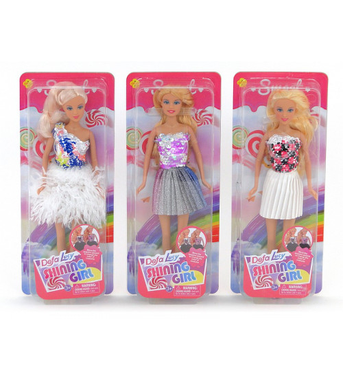 Lelle Lusija ar spīdošiem drēbēm dažādas 508156