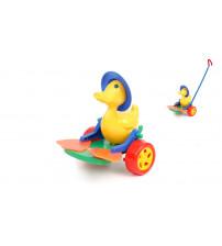 Stumjamā plastmasas rotaļlieta ar kociņu - pīle ar pleznām